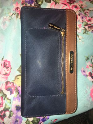 Michael Kors women's wallet for Sale in Oklahoma City, OK