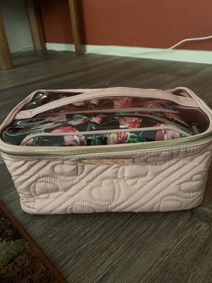 Betsey Johnson cosmetic travel bags (3) for Sale in Manteca, CA