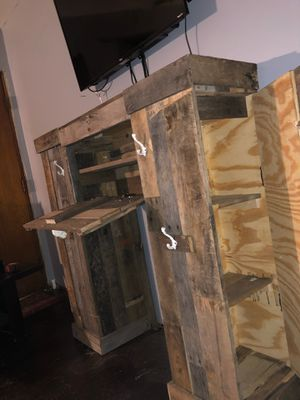 Handmade Mantle for Sale in Newark, OH
