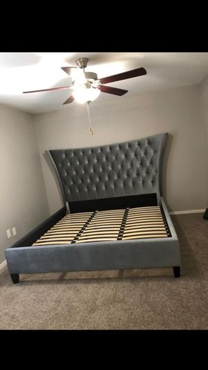 New grey king size bed frame for Sale in Houston, TX