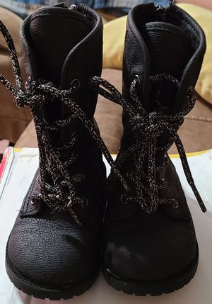 Boots for girl size 7c for Sale in Richmond, CA