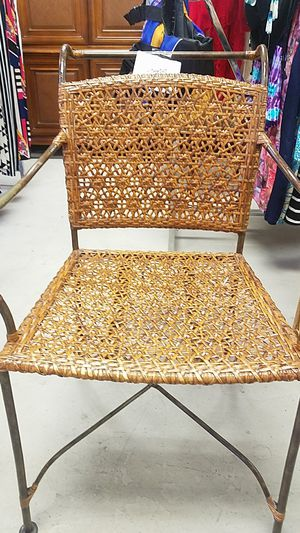 Bamboo antique chair for Sale in Saint Petersburg, FL