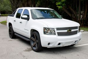 2010 CHEVY AVALANCHE LT. BACK UP CAMERA, LEATHER, LOW MILES for Sale in Palm Springs, FL