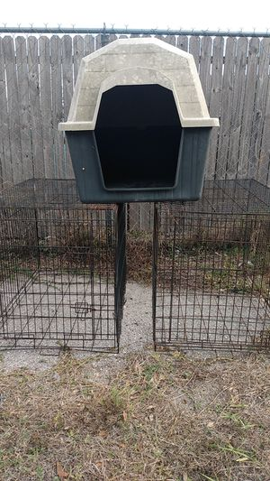 one large dog cages left n large dog house for Sale in Pinellas Park, FL
