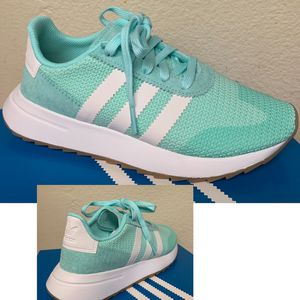 Adidas woman's FLB - size 5.5 only for Sale in Pomona, CA