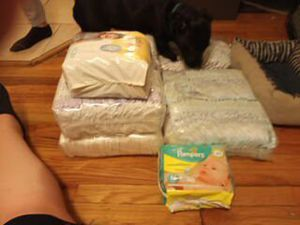 Luvz 2,3,4 and pamper newborn for Sale in Columbus, OH