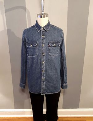 Men's Levi's button down paid $78 size Large great condition for Sale in Washington, DC
