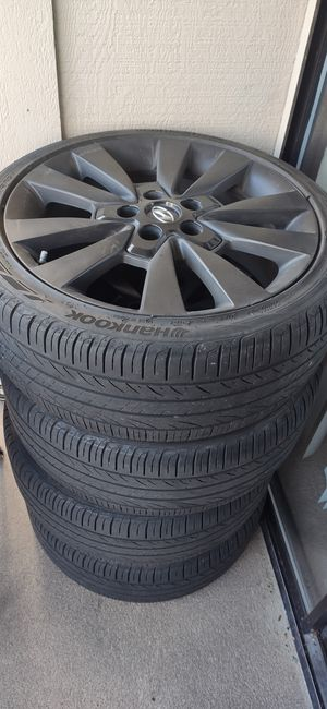 Hyundai wheel and tires for Sale in Burien, WA