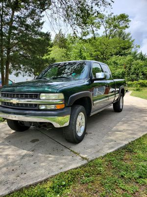 2002 Chevy Silverado Z71 4x4 for Sale in Fort Meade, MD