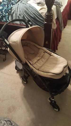 Bugaboo Bee 2 Stroller w/ infant cocoon, toddler stand, cup holder & more for Sale in Durham, NC