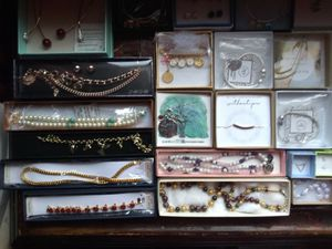 Jewelry for Sale in Bowling Green, MO