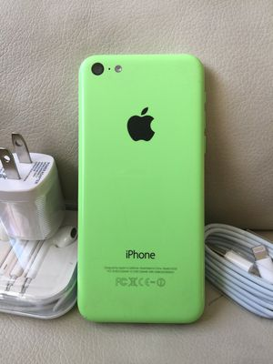 iPhone 5C - just like new, factory unlocked, clean IMEI for Sale in Springfield, VA