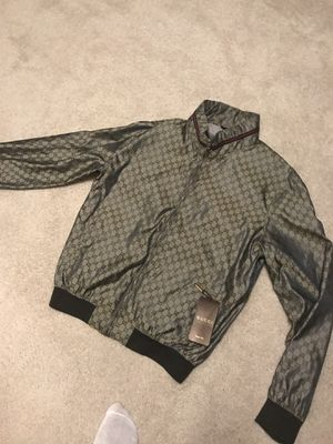 100% authentic GUCCI jacket w/hood SIZE 52 (Large) for Sale in Midlothian, VA