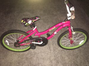 LIKE NEW 16 INCH SMALL GIRLS BIKE for Sale in Humble, TX