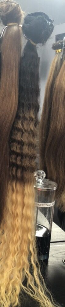 """30"""" length clip ins hair extensions for Sale in Whittier, CA"""