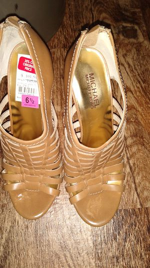 Michael kors shoes for Sale in Hilliard, OH