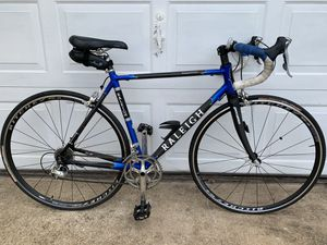 Raleigh competition carbon fiber road bike for Sale in Virginia Beach, VA