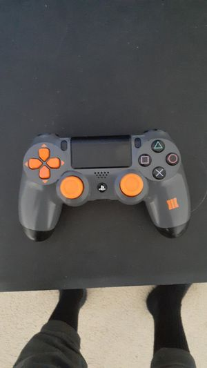 Black Ops 3 Controller w/ Analog covers,Ps4 Ear piece for Sale in Chesapeake, VA