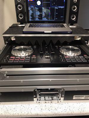 Pioneer ddj-sb3 + harmony road case for Sale in Amarillo, TX