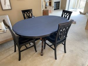 Dining table and 4 chair for Sale in San Diego, CA