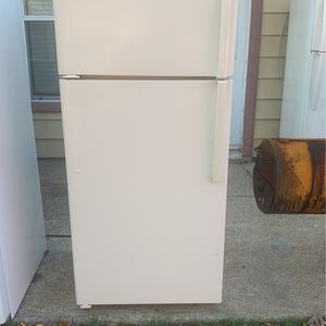 Refrigerator for Sale in Euless, TX
