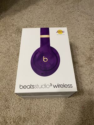 Beat Studio 3 Headphones Lakers NBA Edition for Sale in Mountlake Terrace, WA