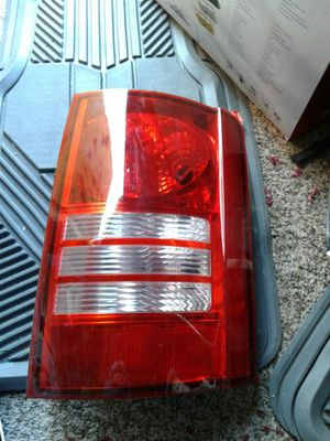08 09 10 town country rh tail light passenger side for Sale in Hyattsville, MD