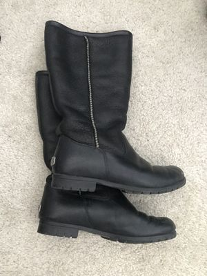 Uggs Waterproof Sherpa Lined for Sale in Chicago, IL