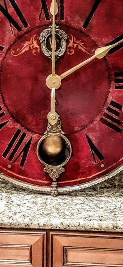 """Wall Clock With Pendulum 31"""" for Sale in North Las Vegas,  NV"""