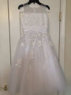Joan Calabrese First Communion / Flower Girl Dress and Custom Veil Size 8 for Sale in Perry Hall, MD
