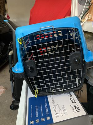 Medium size dog or cat kennel like new 25 for Sale in Lincoln, CA