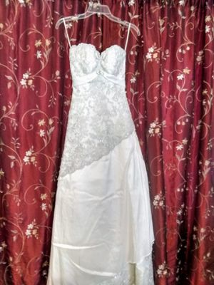 AUTHENTIC CERTIFIED Maggie Sottero WEDDING DRESS Size 4 for Sale in Milton, FL