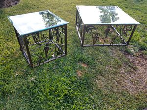 Coffee table and end table for Sale in La Mesa, CA