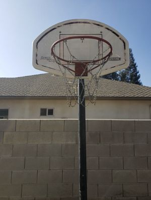 Basketball Hoop for Sale in Kingsburg, CA