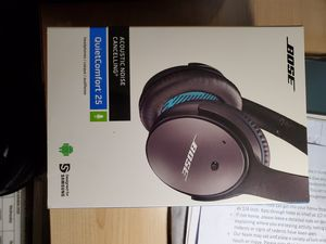 Bose QuietComfort 25 Acoustic Noise Cancelling Headphones (iOS, Black) for Sale in Boston, MA