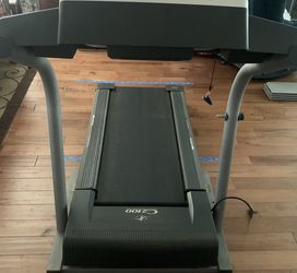 Nordictrack C2100 Treadmill for Sale in Yorba Linda,  CA