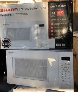 Sharp microwave for Sale in Bloomington, CA