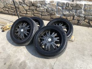 Black chrome 22 inch rims with tire suv for Sale in Doraville, GA