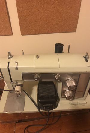 In good condition sewing machine for Sale in Silver Spring, MD