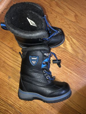Size 6c toddler boy snow boots for Sale in Philadelphia, PA