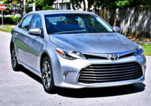 ♡ 2O13 Toyota Avalon XLE 3.5 Stability Control for Sale in Mount Auburn, IL