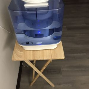 Hunter Humidifier Niteglo 5 Gallons First Comes Takes It for Sale in Alsip, IL
