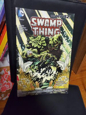 Swamp thing comic book Lot DC horror novel super hero new 52 for Sale in Dallas, TX