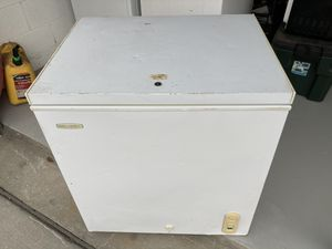 Small holiday chest freezer work good looks rough for Sale in Lake Wales, FL