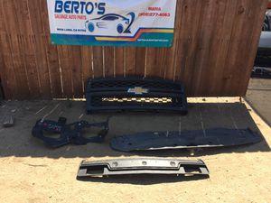 2014-2015 Chevy Silverado 1500 grille & parts for Sale in Jurupa Valley, CA