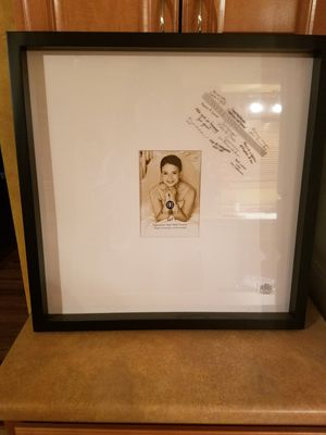 Signature mat picture frame for Sale in Normal, IL