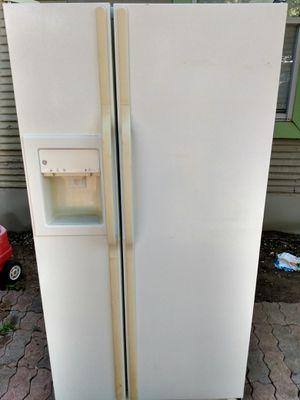 Refrigerodor for Sale in Grand Prairie, TX