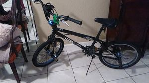 Hyper bike co metro bmx. Bike with pegs for Sale in Parkland, FL