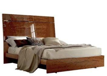 Queen Bedroom Set. 100% Italian Cherrywood for Sale in Phoenix,  AZ