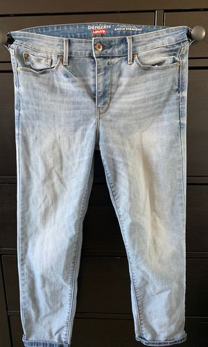 Light washed Levi Denizen high-rise ankle straight jeans for Sale in Alexandria, VA